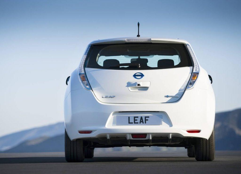 Вид сзади Nissan Leaf