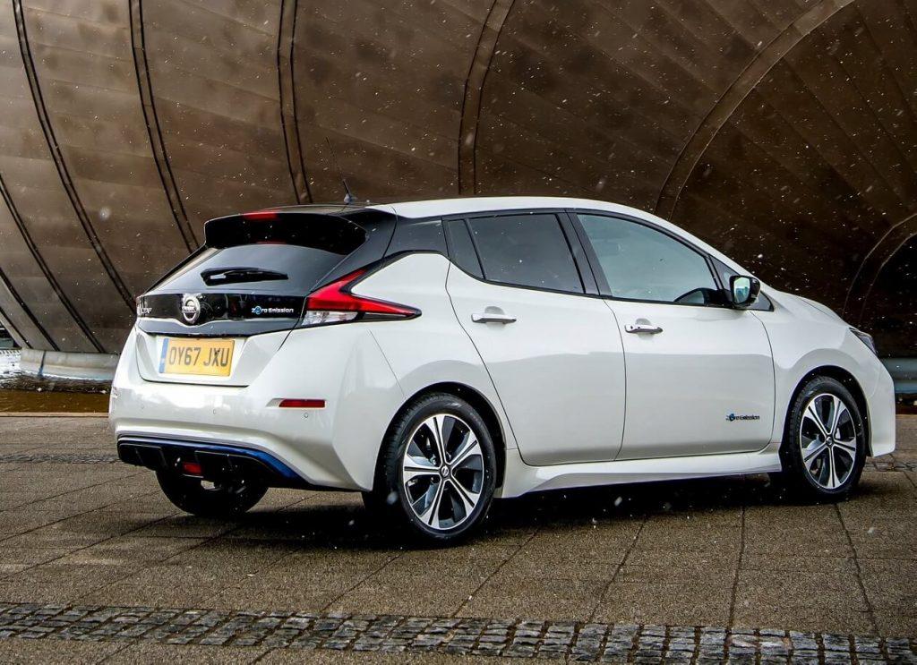 Nissan Leaf фото авто второе поколение